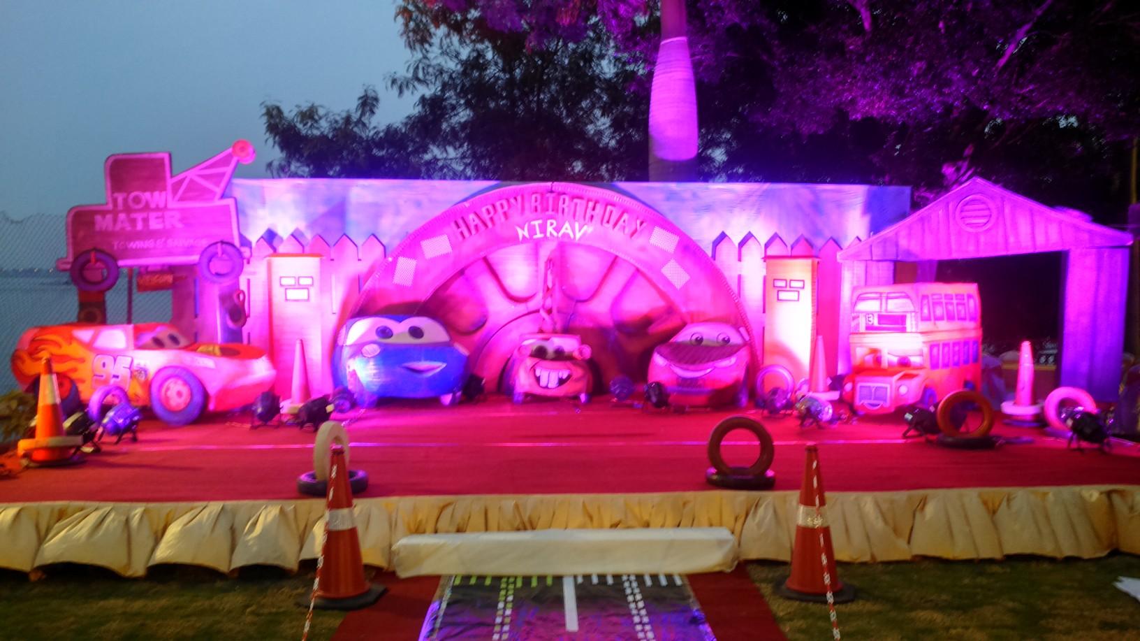 Birthday party stage decorators and birthday party for Balloon decoration birthday party hyderabad