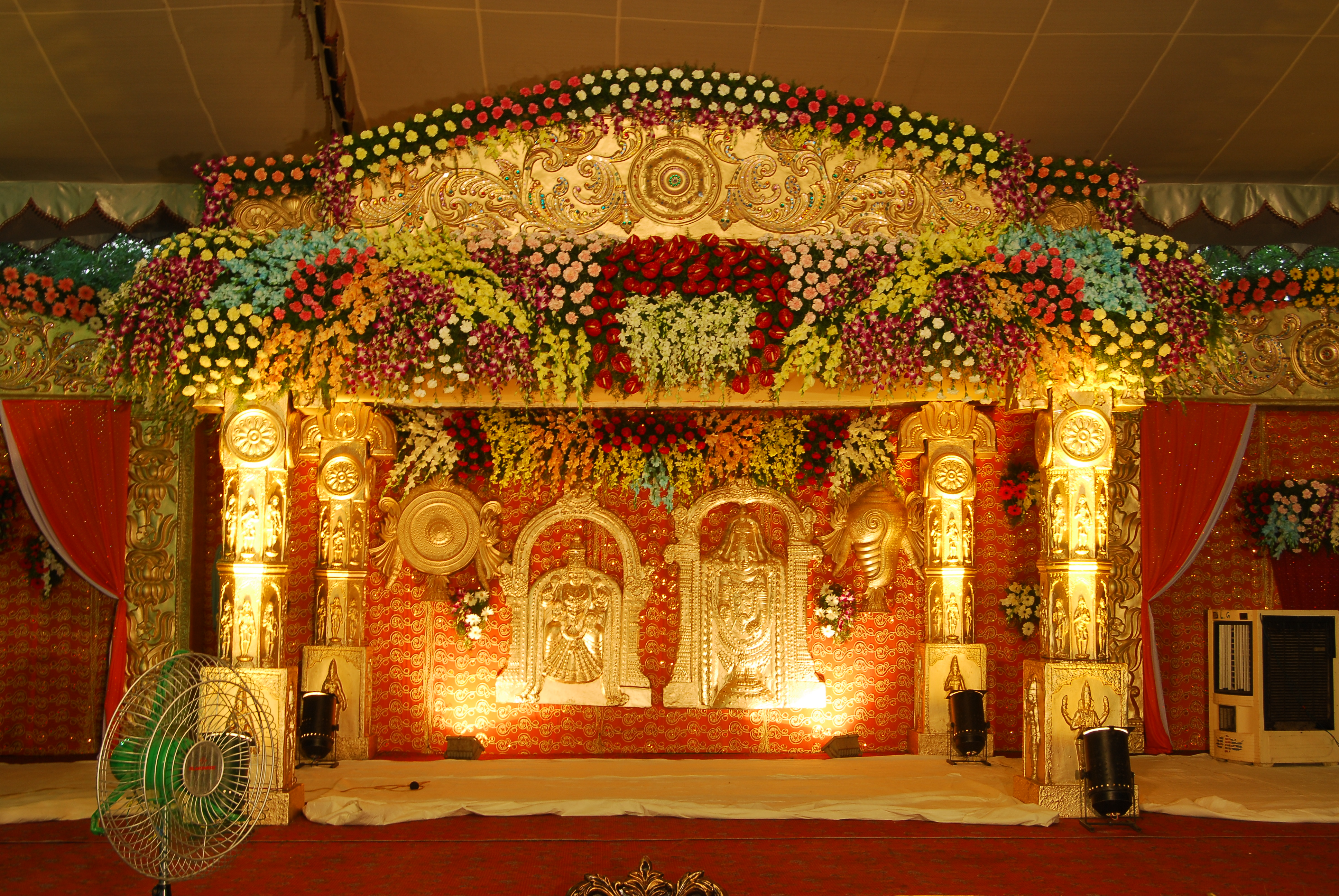 Flower decorators wedding and marriage mandap decorators for Artificial flower decoration mandap