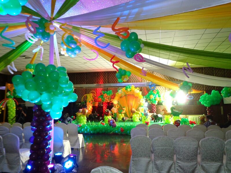 Birthday decorators balloon decorators and 1st birthday for Balloon decoration for birthday party in hyderabad