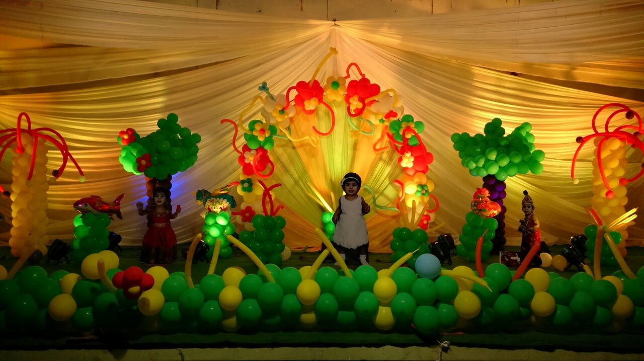 Balloon decorators and birthday party theme decorations in for Annual day stage decoration images