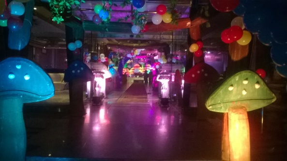 ballon decorators and birthday stage decorators in hyderabad (7)