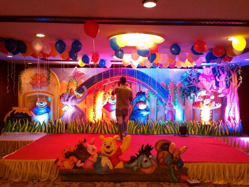 Birthday party stage balloon decorators and girls birthday for Annual day stage decoration images