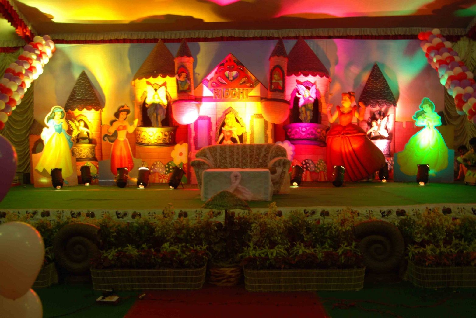 Birthday Party Stage Balloon Decorators And Girls Birthday Theme Decorations In Hyderabad