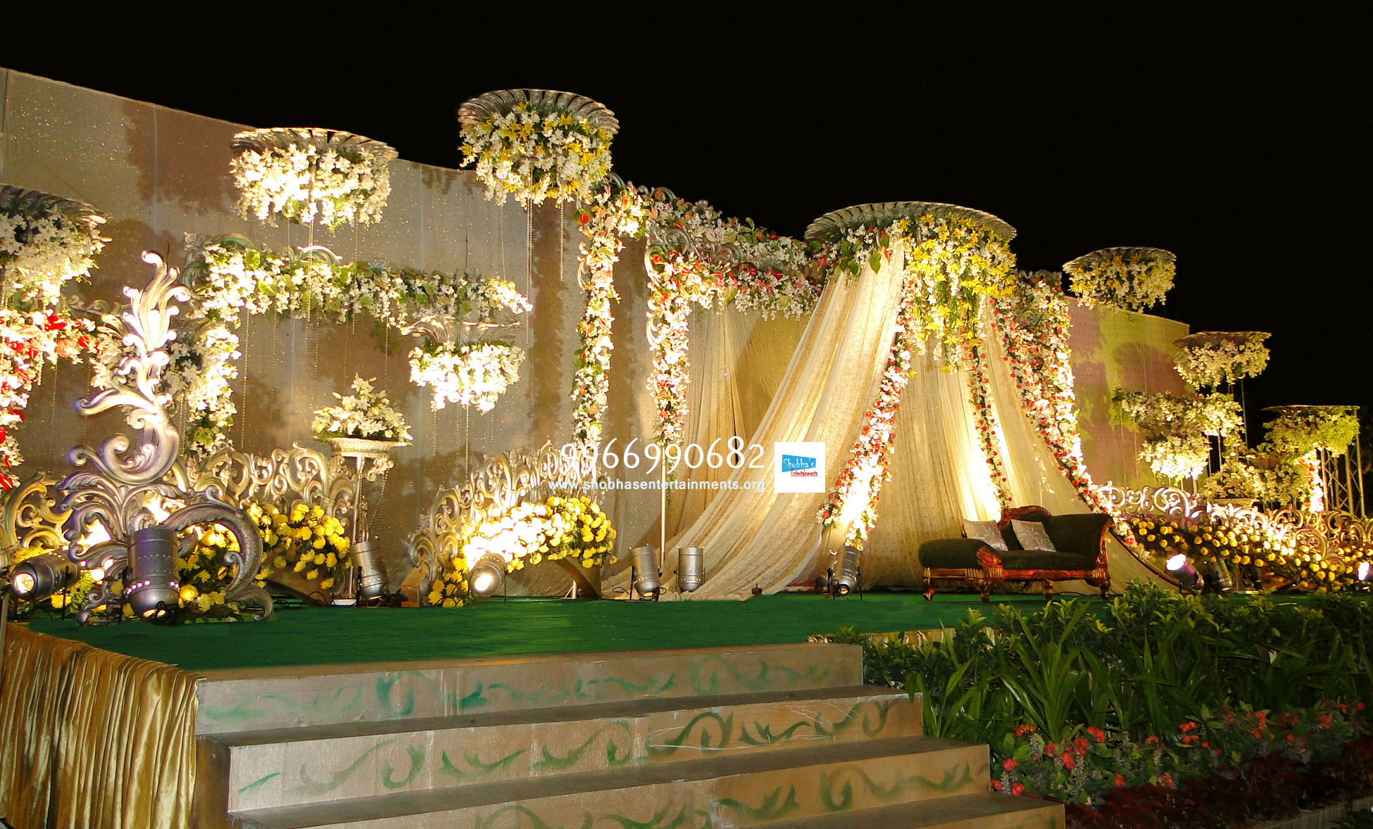 Reception decorators in hyderabad shobha 39 s entertainments for Decoration flowers