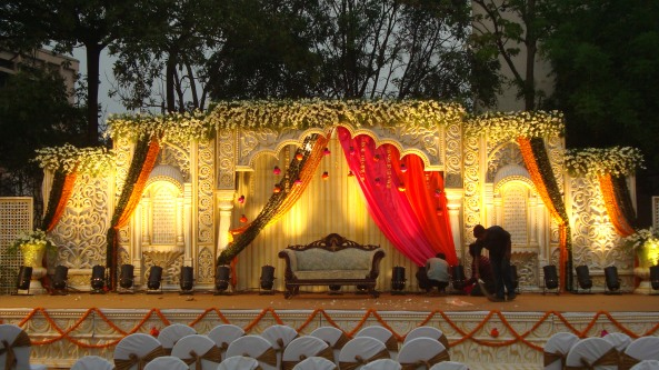Reception decorations,engagement decorators, sangeet ceremony organizers , wedding flower decorations and event organizers in Hyderabad (4)