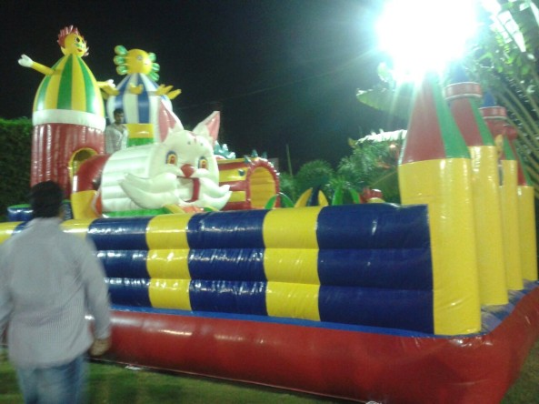 inflatable bouncies (3)