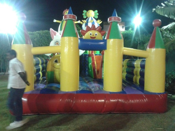 inflatable bouncies (5)